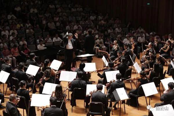 《牧歌》是沙汉昆于1953年改编的一首小提琴独奏曲,当时他还是学生.图片