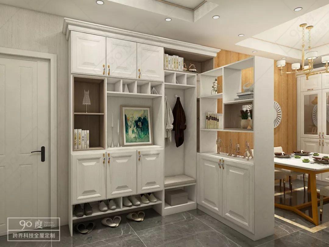 巧妙利用转角设计,把鞋柜与酒柜一体化,显得玄关大方得体功能又强大