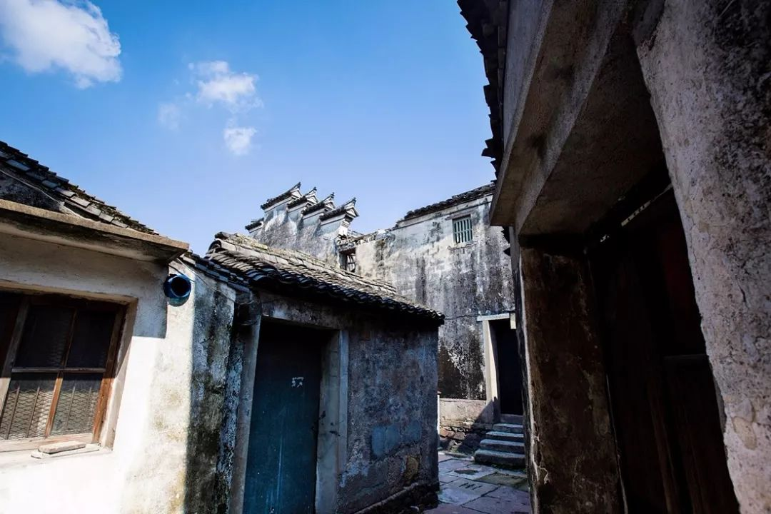 >> 鸣鹤古镇       坐标:宁波   ●历史:始建于唐开元年间   ●宁