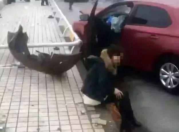 女司機被無情攻擊,郭德綱的不大度···人生至暗時刻,如果你不曾感同身受,請不要指手畫腳!