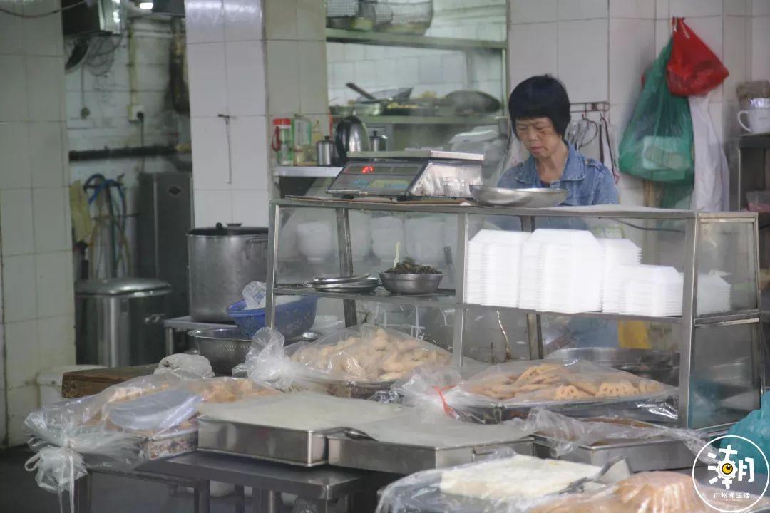 粽子小吃店装修风格