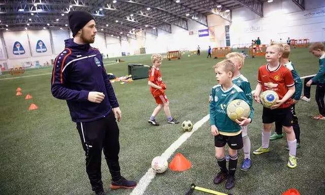 冰岛足球的孤独与自由