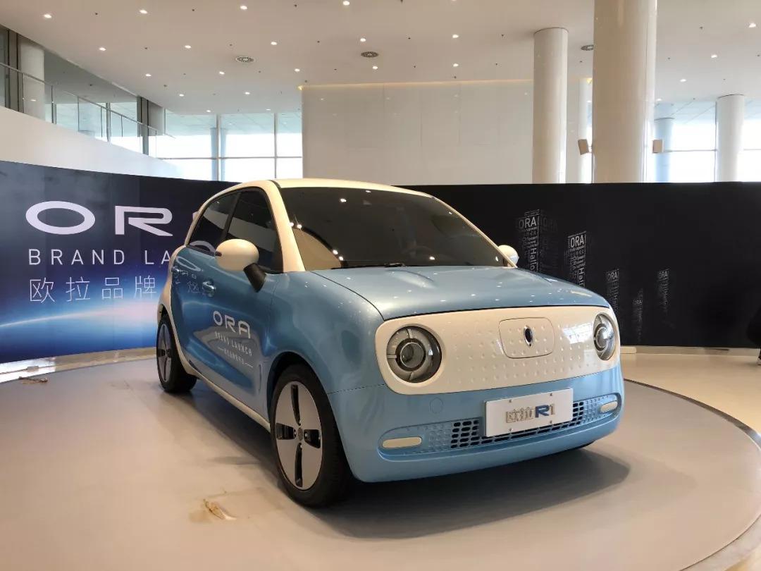 2    欧拉目标:电动小车领导者   在发布会上有一个有趣的细节,就图片