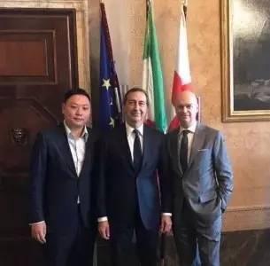 【新闻】韩力会面米兰市长 暂缓建新球场+继续共用圣西罗