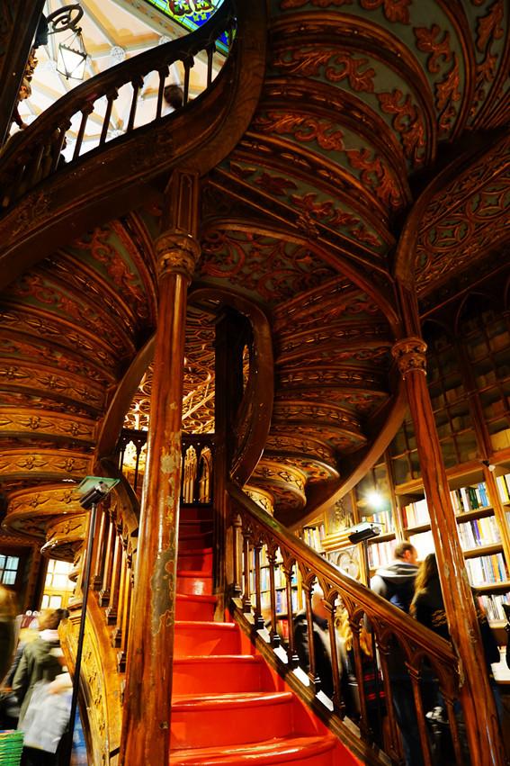 因为这六家书店,我又多了一个留在广州的理由…
