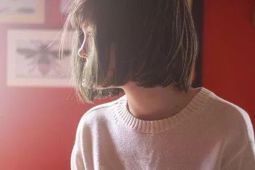 短发妹子:内扣,泡面头,外翻,到底哪款发型适合你?
