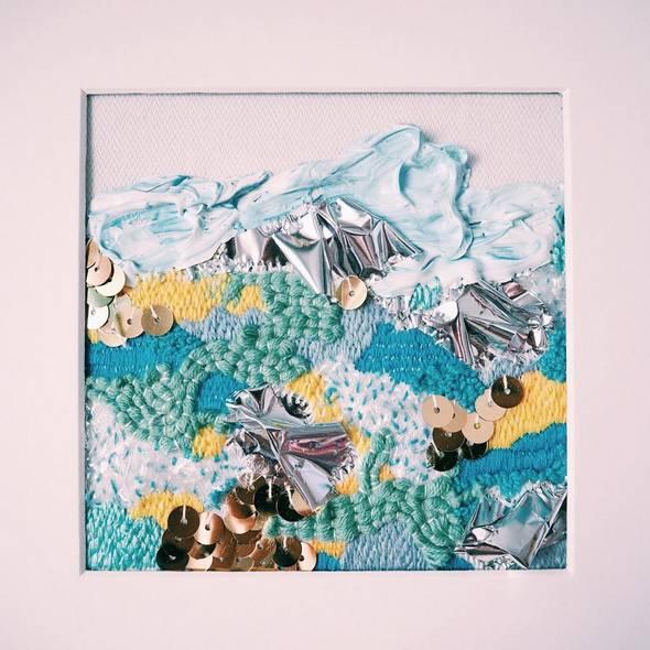 将风景和刺绣结合,是她独创的一种有趣的旅行记录方式.