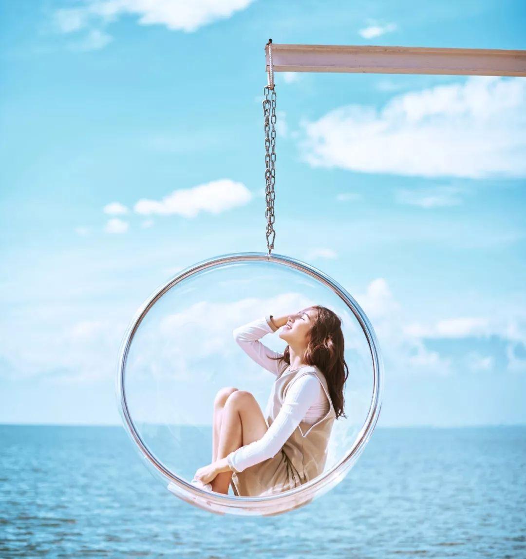 除了美景   不少特别的道具   也能让照片增加不少亮点   1,玻璃球图片