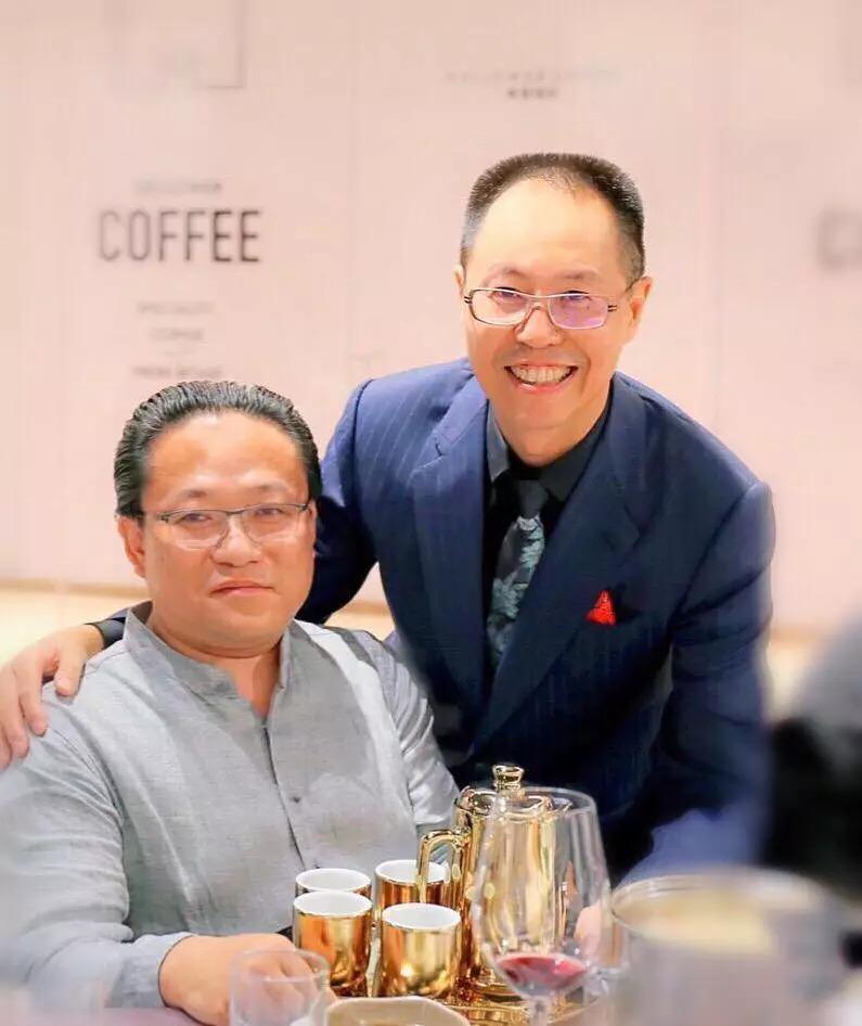 汤智美姓名_义捐品:陶瓷金釉茶具组   义 捐 方:fcc智美会员