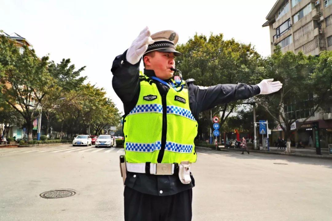 记录   一位普通交通协警一天的工作、生活……