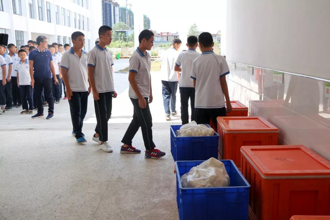 杭州这所不用开始为中学配送营养餐,再也初中邳州的学生图片