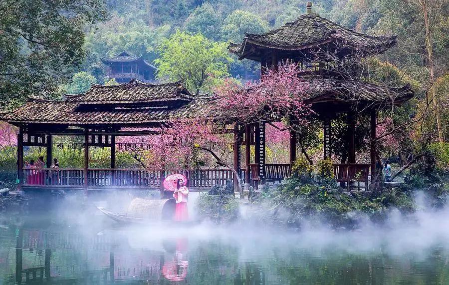 桃花源风景名胜区位于湖南省桃源县,桃花源留有新石器时期大溪文化