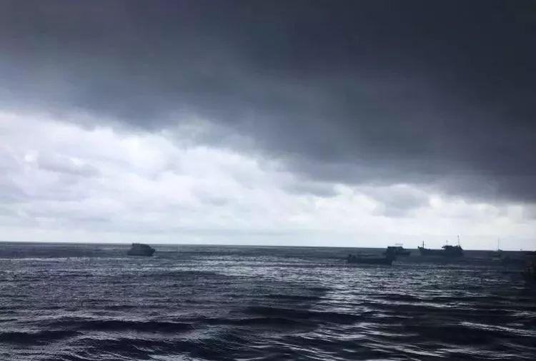 揪心!泰国游船倾覆中国游客已有1名死亡,50名失踪!