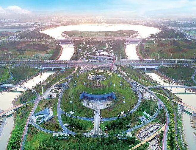 除了双鹤湖莲鹤双塔,航空港区的坐标建筑还有哪些?