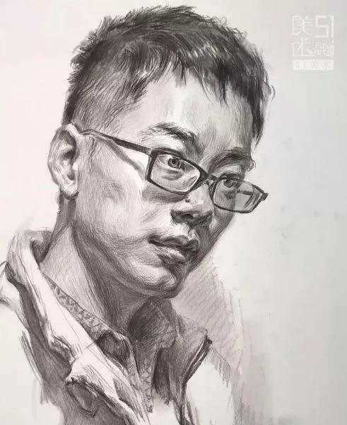 戴眼镜男青年3/4素描头像(局部解析)