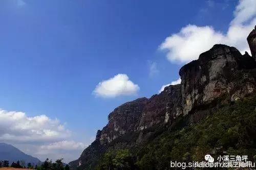 石晶宫 石晶宫是平和县重点佛教寺庙和旅游景点之一,位于