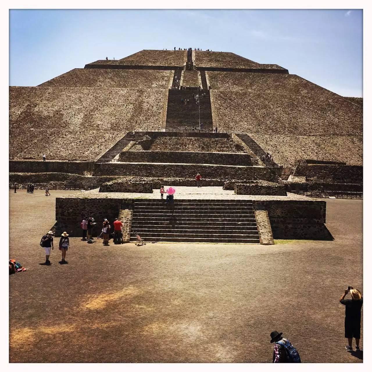 世界上唯一可以爬的金字塔