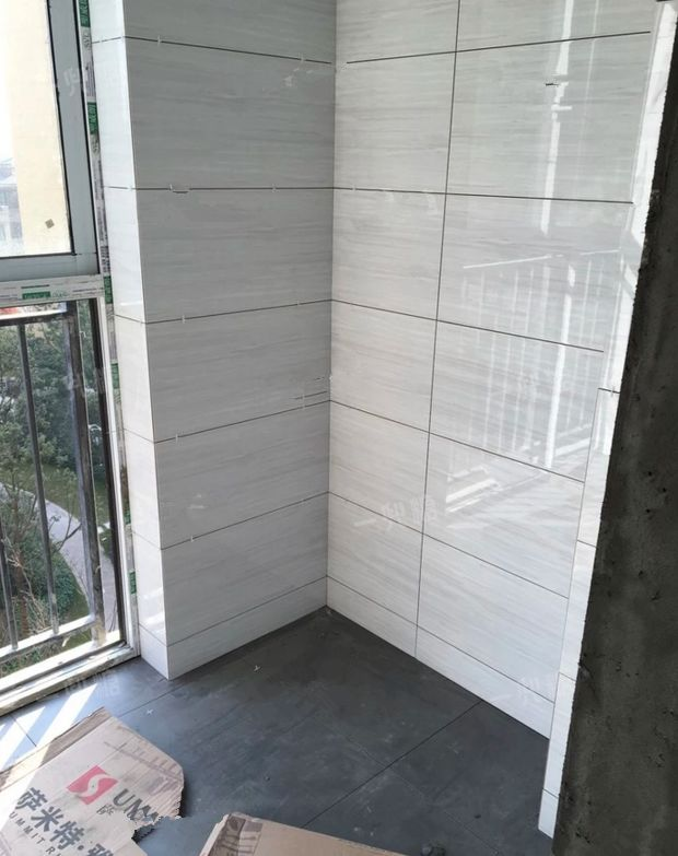 阳台,厨房,卫生间贴砖效果(全部地砖墙砖后期都做了美缝)图片