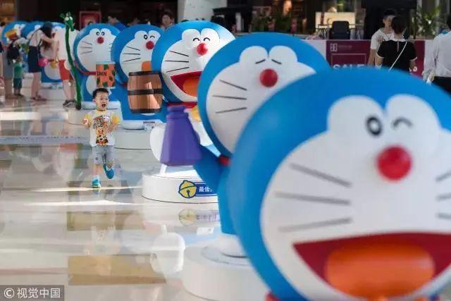 十六年后,不但机器猫已经变成哆啦a梦,ip授权市场也开始高速发展.图片