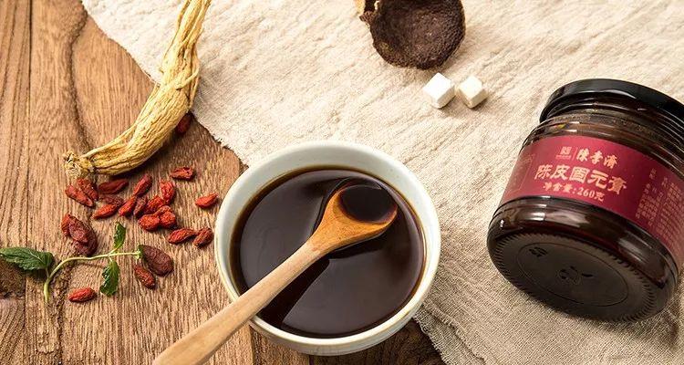 這瓶傳承418年的滋補養生聖品,喝一勺,抵過穿3件保暖內衣