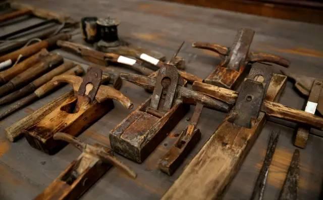 老木匠,旧工具