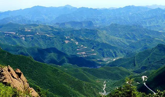 北京百花山自然风景区(百花山林场),现为北京市级自然保护区,重点