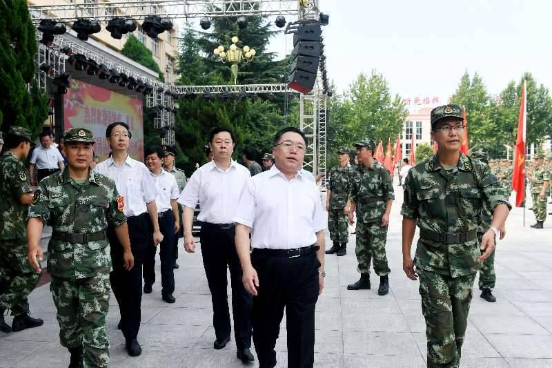运城市人大常委会主任安雅文看望慰问驻夏县武警官兵