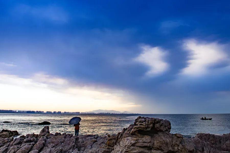 一,休闲度假游:例如张北草原,唐山国际旅游岛,秦皇岛北戴河等地;二