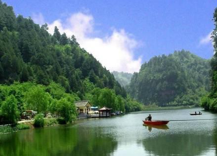 天池峡谷风景区    幽静清远的天然乐园