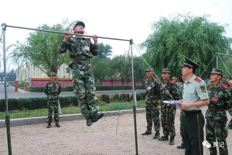 """林红军14岁少年习武报仇,意外成武警""""林教头"""""""