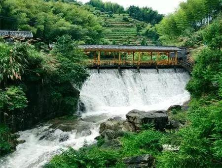 浙东十八潭旅游区就是我们的第五站了,这个位于黄岩区西部平田