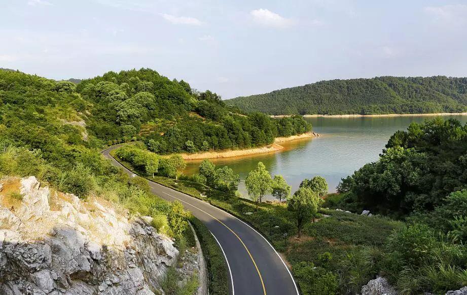 淙淙溪水,竹海山林,在千岛湖山谷的隐秘深处,悠悠然