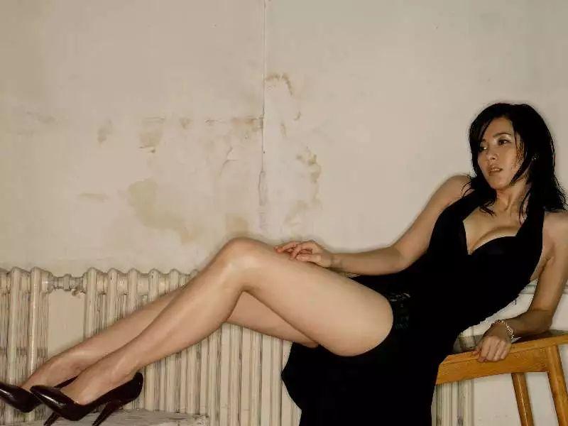 她曾演刘烨前妻,比章子怡还美,演戏18年,因拒绝潜规则