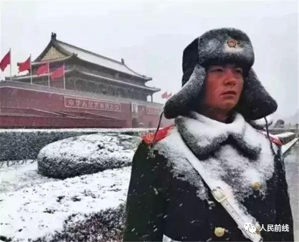 暖哭!2017中国军人这些刷爆朋友圈的照片,每一张都舍不得删!