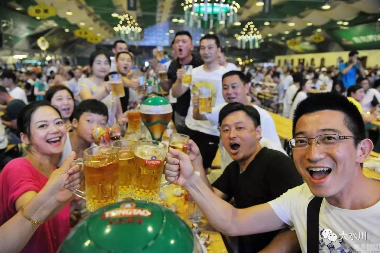宝鸡市第四届青岛啤酒节,喝啤酒赢吉利汽车!