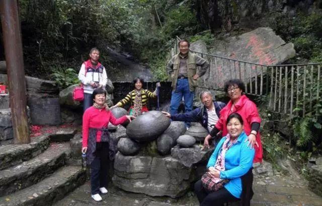 中国最怪的石头,每隔数十年下一次蛋,专家至今无法解释 - 后花园网文 - 大杂烩