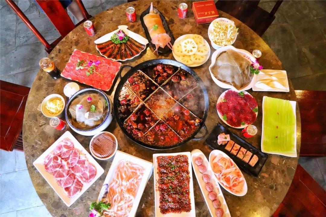 直接在魔都吃上纯正的重庆火锅!吃进的每一口都是超满足的!