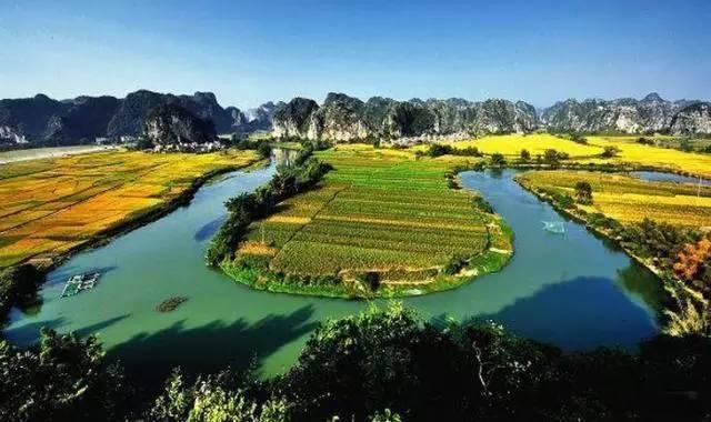 三里洋渡风景区位于上林县境内弄贬峰林区南部边沿,地形属