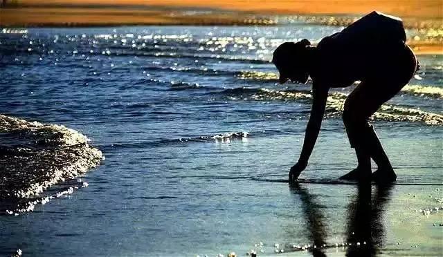 官湖角海边民宿-沙滩烧烤大餐-夜拾海贝看月升-官湖沙滩海岸
