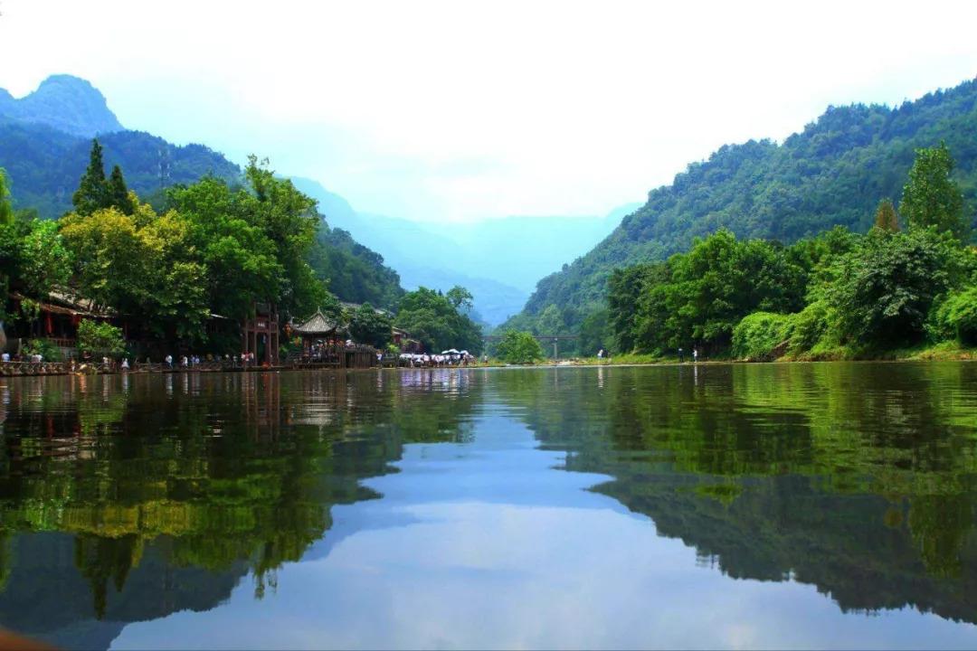 成都——柳江古镇——槽渔滩 建议游玩天数:2天    费用参考:门票