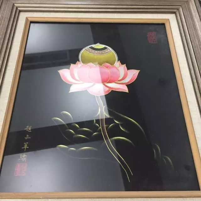 """充满艺术家气质的人说:""""画画的学生比较狂放,如果能让他们学学刺绣"""
