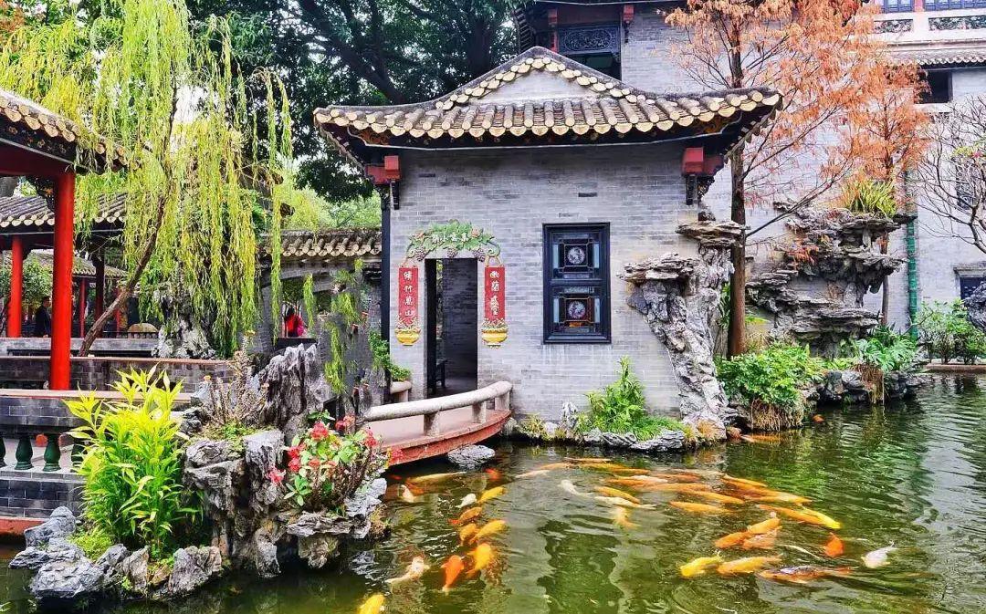 逢简水乡,你不妨来清晖园观赏岭南古园林建筑,这里是广东四大园林之首