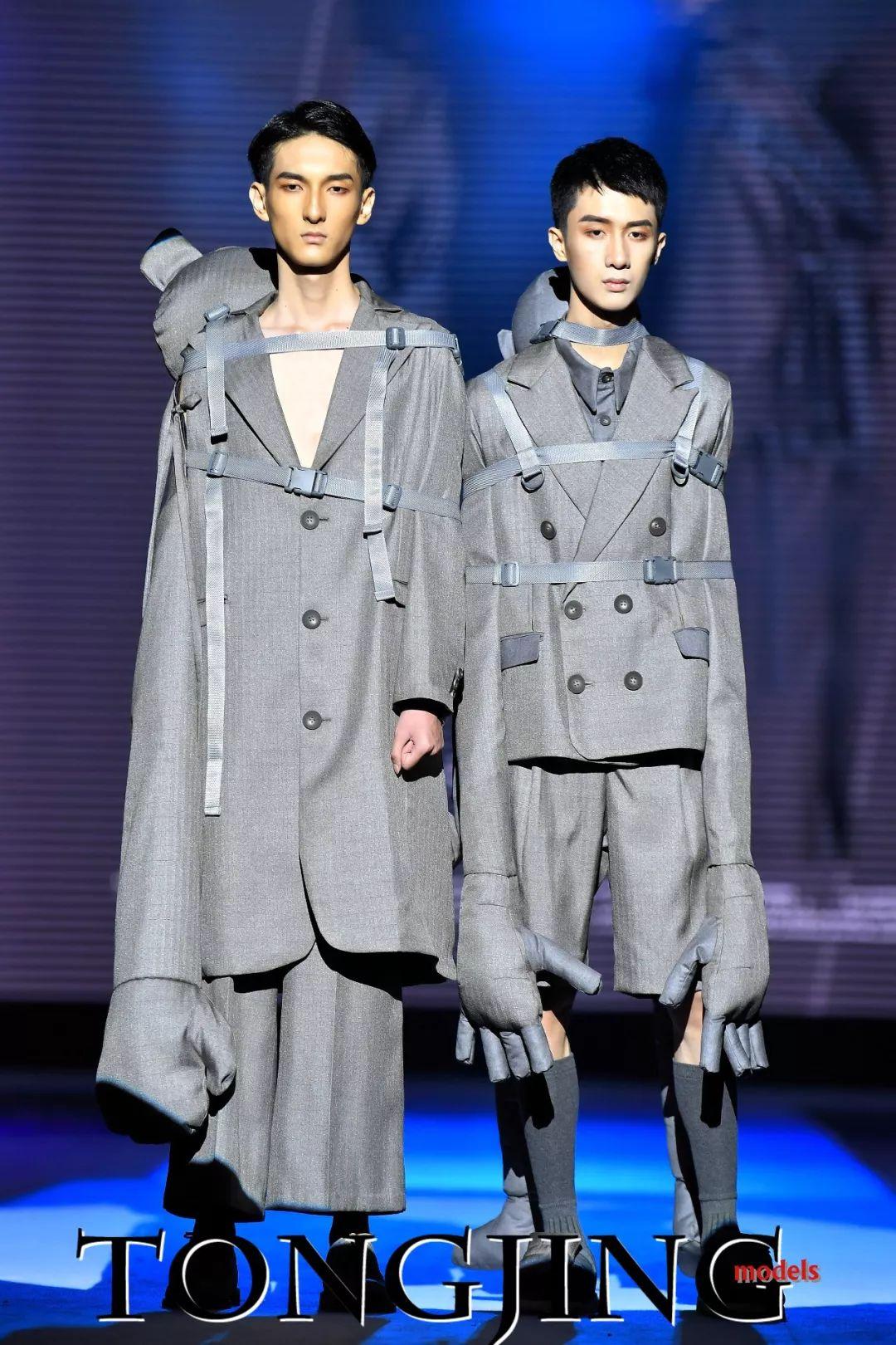 """彤景模特在广西艺术学院2018""""潮启""""服装与服饰设计系毕业设计展图片"""