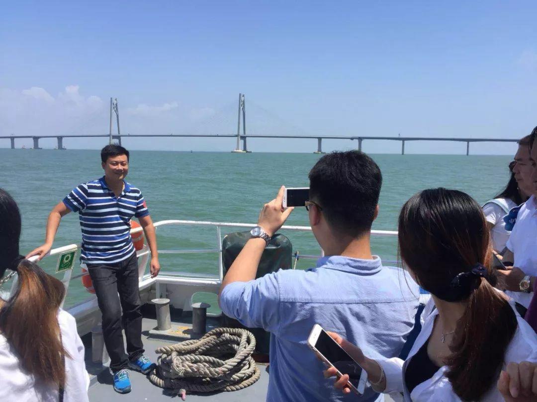 港珠澳大桥海上游开通了!震撼的视觉盛宴,绝美