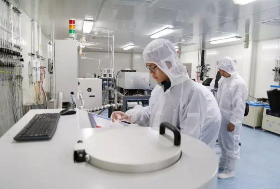 有效填补了我国集成电路光刻技术源头产品的空白,也开启了邳州电子新