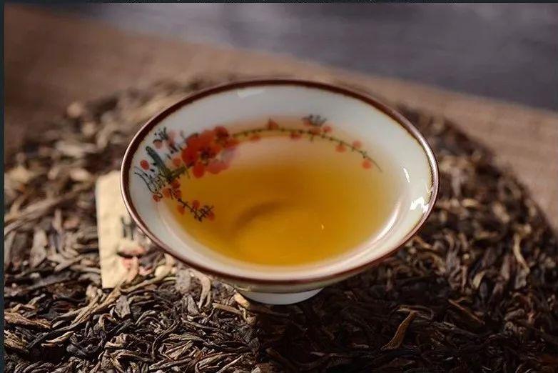 用最简单朴实的方法,教你怎么泡好一杯普洱茶?