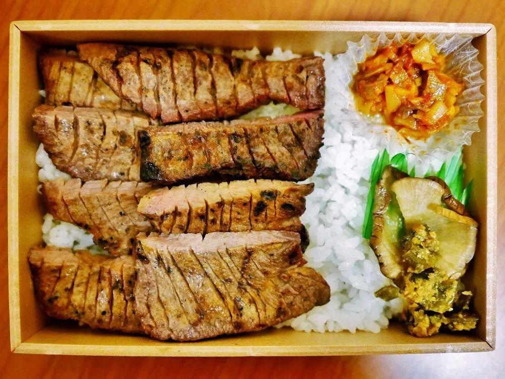 穿越大半个日本,一路品尝人气超高的美味车站便当!