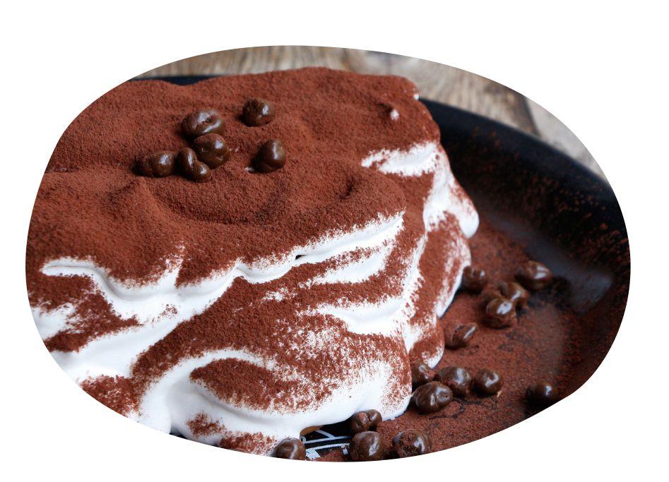 还可以搭配一块可爱的棉花糖和进口奶油,巧克力勺子在牛奶里泡一会