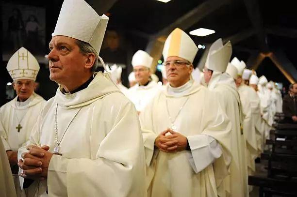 【社會】法國教會高層見孌童醜聞受害者