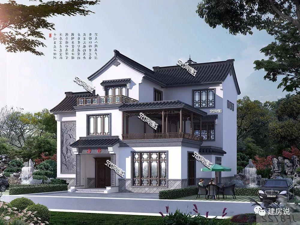 别墅外墙以白色为主色调,屋顶是灰色琉璃瓦,再使用浮雕装点墙面